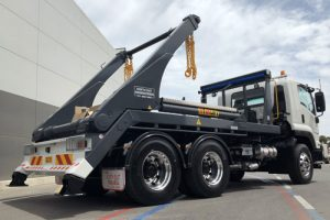 hyva hook lift truck